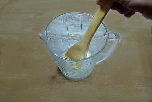mezclar sosa y agua